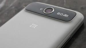 zte-v987-hands-on-photos[1]